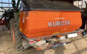 Kubota Düngerstreuer DSMW 1100 mit Hopfenumbau